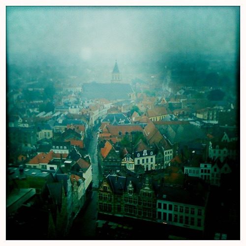 Bruges, Hipstamatic and the random acts of kindness