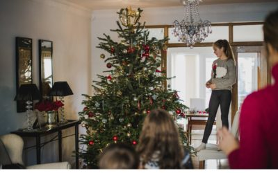 Photograph your family's Christmas like a pro