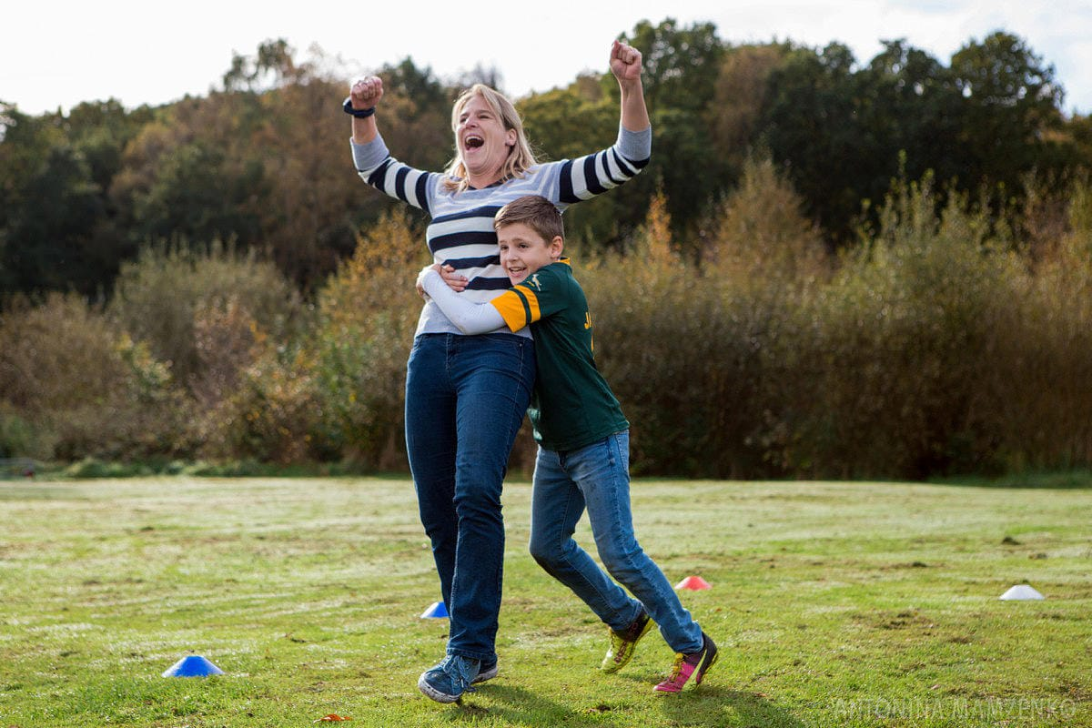 esher-family-photos-at-home-and-playing-rugby_0013