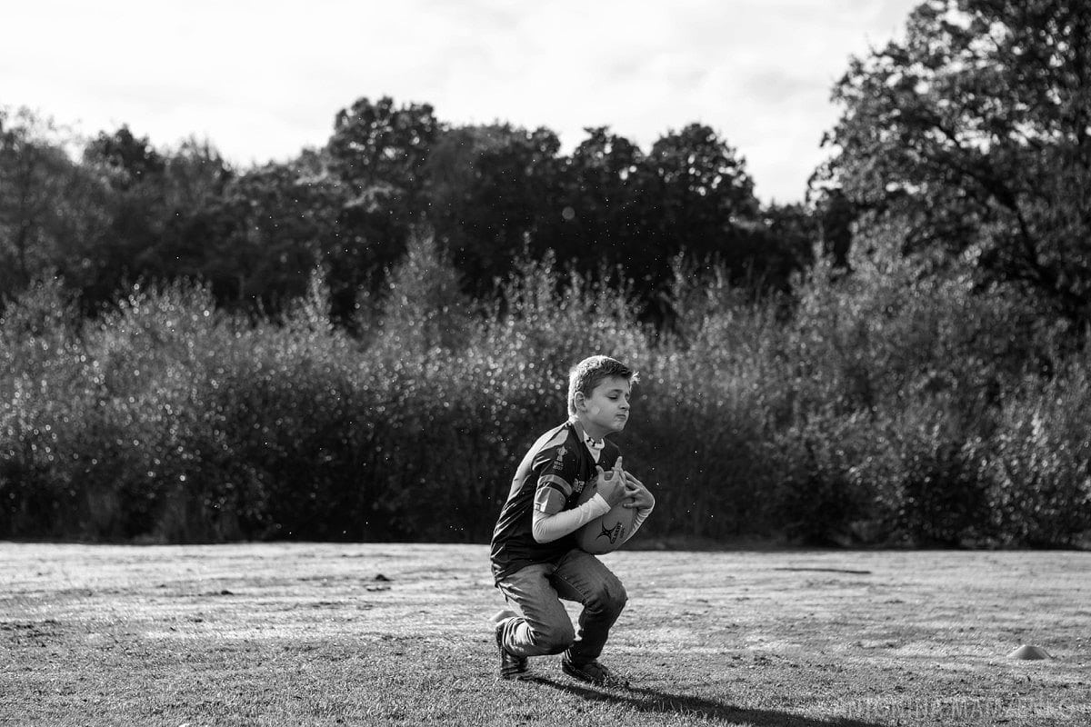esher-family-photos-at-home-and-playing-rugby_0014