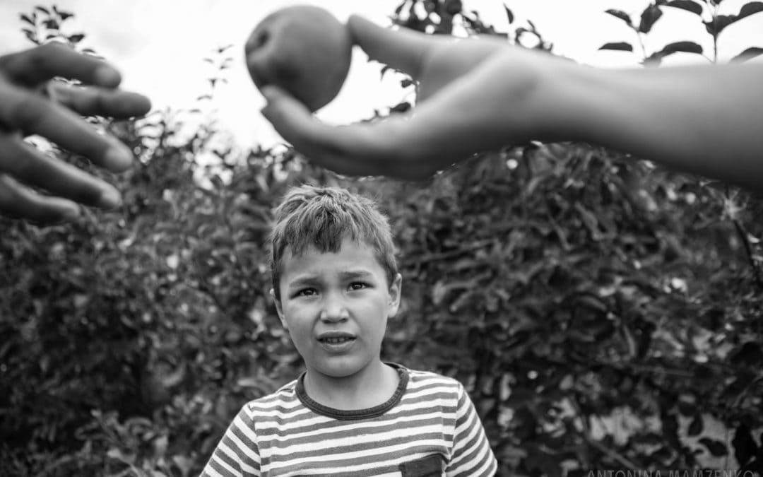 13 Activity Ideas for Your Autumn Family Photoshoot